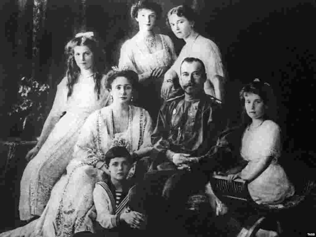 Tsar Nicholas II and his family, 1913 - The stern and aloof monarch Nicholas II was deeply unpopular, particularly after his disastrous decision to enter World War I. The masses of disillusioned veterans returning from the front exacerbated the volatility already caused by the country's rapid industrialization and urbanization. Soaring inflation and food shortages led to demonstrations in major cities, many of which were violently suppressed.