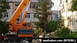 16 июля в жилом доме в 10-м микрорайоне Ашхабада произошел взрыв.