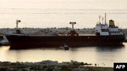 کشتی حامل اسلحه برای شورشیان سوری
