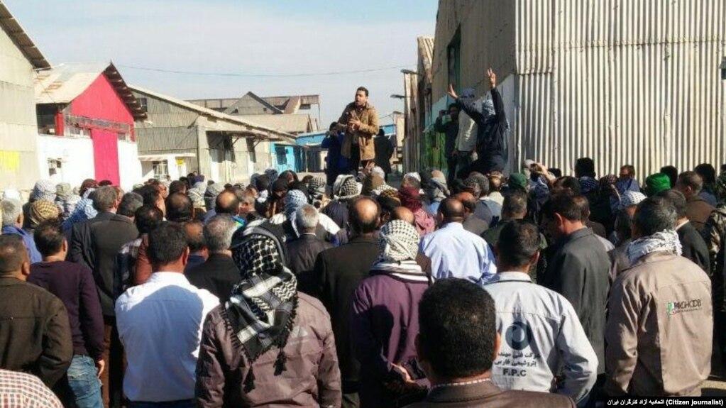 ادامه اعتصاب کارگران نیشکر هفتتپه و تجمع کارگران گروه صنعتی فولاد در اهواز