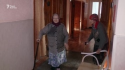 Очередь в дом престарелых
