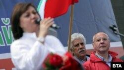 Корнелия Нинова и ръководството на БСП не за първи път се разминават в позициите си с бившия премиер и лидер на ПЕС Сергей Станишев
