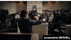 Використані болгарською партією кадри українського серіалу «Слуга народу»