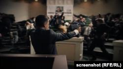 Использованые болгарской партией кадры украинского сериала «Слуга народа»