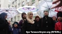 Жены фигурантов ялтинского «дела Хизб ут-Тахрир», Симферополь, 4 декабря, 2017 год