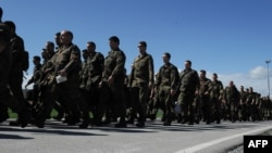 Pripadnici nemačkih snaga stigli na Kosovo 25. aprila 2012.