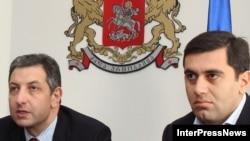 Прошла лишь неделя с тех пор, как премьер-министр Зураб Ногаидели (слева) представил Ираклия Окруашвили в качестве нового министра экономического развития