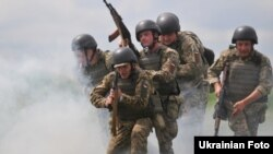 Навчання українських військових на Яворівському полігоні. Червень 2016 року