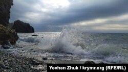 Пляж біля мису Лермонтова, Севастополь