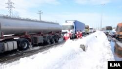 ترافیک سنگین مسیر رشت قزوین پس از بارش شدید برف در گیلان
