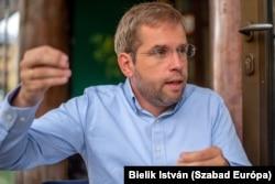Ruff Bálint