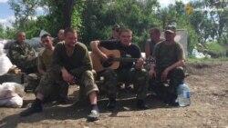 Украинские бойцы играют Скрябина в перерыве между боями (видео)