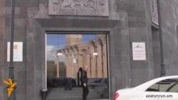 Գագիկ Ծառուկյանը հանդիպեց ՀԱԿ ներկայացուցիչների հետ