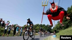 """12-й этап велогонки """"Тур-де-Франс"""" из Фужера в Тур. 11 июля 2013 года."""