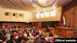 Qırım parlamentiniñ toplaşuv salonı
