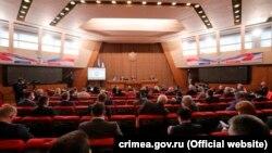Заседание российского парламента Крыма