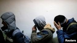 """Policija je migrante pronašla u automobilu marke """"mazda"""""""