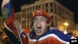 Хоккейная сборная России не дает скучать своим болельщикам