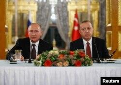 Владимир Путин на встрече с Реджепом Эрдоганом в Турции. 10 октября 2016 года