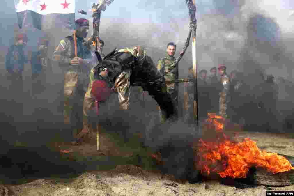 Түркия қолдайтын Сириядағы солдаттары Алеппо маңында жаттығу өткізіп жатыр