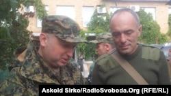 Олександр Турчинов (л), архівне фото