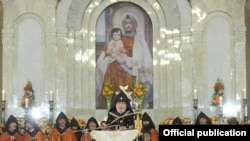 Armenia -- Catholicos Garegin II presides over a requiem service for victims of Japan's devastating earthquake, 4May2011.