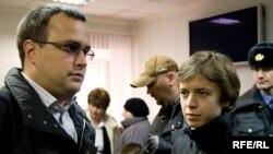 Дети Анны Политковской, Илья (слева) и Вера
