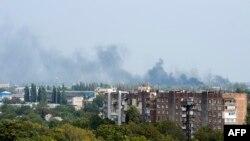 Дим над аеропортом Донецька