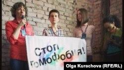"""Открытие фестиваля """"Бок о бок"""" в Москве, 18 апреля 2013 г."""