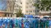 """Personalul de la spitalul """"Victor Babeș"""" din Craiova"""