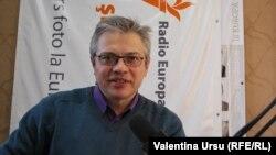Vitalie Ciobanu în studioul Europei Libere la Chișinău