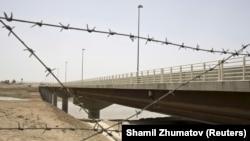 Мост на границе Таджикистана с Афганистаном