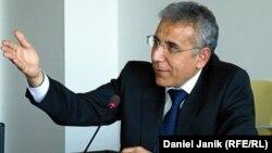 Hüquq müdafiəçisi İntiqam Əliyev