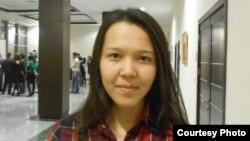 Перизат Мақсұт, Назарбаев университетіндегі гуманитарлық және әлеуметтік ғылымдар факультетінің 3-курс студенті. Астана, 29 қазан 2012 жыл