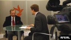 Вацлав Гавел під час інтерв'ю для Радіо Свобода