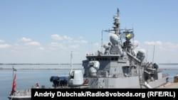 Турецкий боевой корабль в порту Одессы, 7 июня 2011