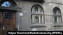 На цьому будинку у Львові планують встановити меморіальну дошку Шевельову