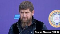 Глава Чечни Рамзан Кадыров на открытии офиса банка ВТБ в Грозном, 5 февраля 2020 года
