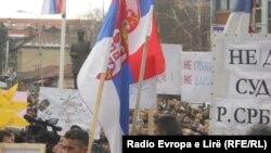 Pamje nga një tubim protestues i serbëve në pjesën veriore të Kosovës