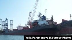 """""""Петр Великий"""" – один из восьми кораблей из Мурманска, застрявших за границей"""