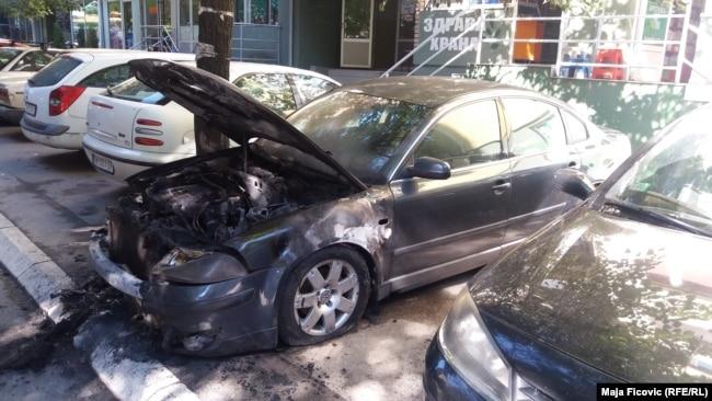Zapaljeno auto Olivera Ivanovića