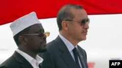 Somali prezidenti Sheik Sharif Sheik və Türkiyənin baş naziri Recep Tayyip Erdoğan. 19 avqust, 2011.
