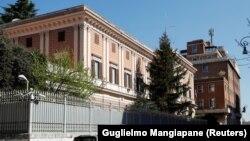 Az orosz nagykövetség épülete Rómában, 2021. március 31.