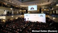 Голова Мюнхенської конференції з питань безпеки Вольфганг Ішингер виступає під час конференції в Мюнхені, Німеччина, 14 лютого 2020 року.