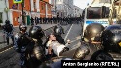 Moskvada 10 avqust yürüşü