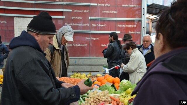 Spomen ploča stradalima na tržnici Markale, 2012.
