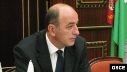 Ýewropada howpsuzlyk we hyzmatdaşlyk guramasynyň diplomaty Arsim Zekolli
