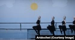 Кадры из фильма Ксении Охапкиной Бессмертный - Artdocfest