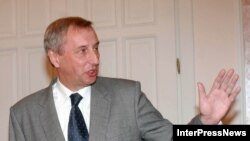 Министр иностранных дел Грузии принял российского посла и сообщил о времени вручения верительных грамот президенту только после второго за несколько дней телефонного разговора с министром иностранных дел России Сергеем Лавровым