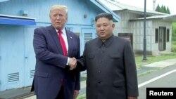 Donald Trump Kim Jong Un ilə görüşür, 30 iyun, 2019-cu il